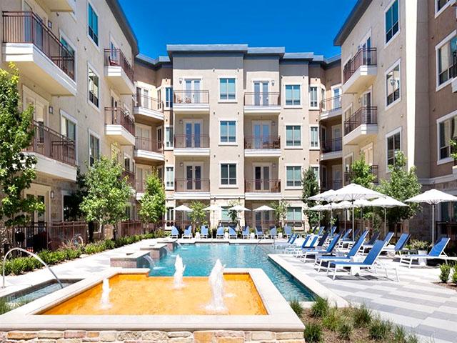Lakepointe At Las Colinas Apartments B P 5353 W Blvd