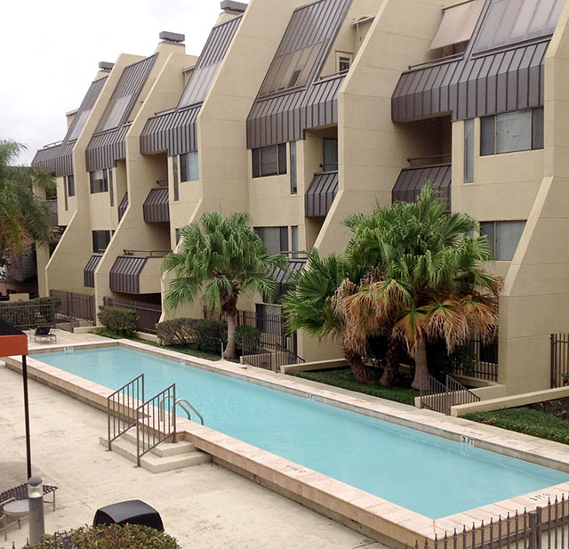 Har Com Houston Tx Rentals: Augusta Court Mid-Rise, Houston, TX