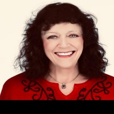 CLICK to visit Loretta Evans's Realtor® Profile Page