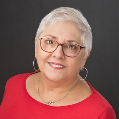 CLICK to visit Susan Lucas's Realtor® Profile Page