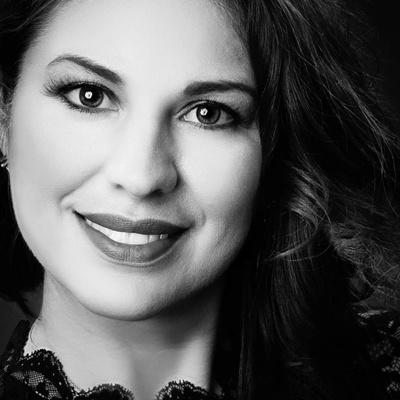 CLICK to visit Michelle Acevedo's Realtor® Profile Page