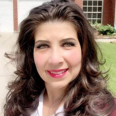 CLICK to visit Alyxandra Quintero's Realtor® Profile Page