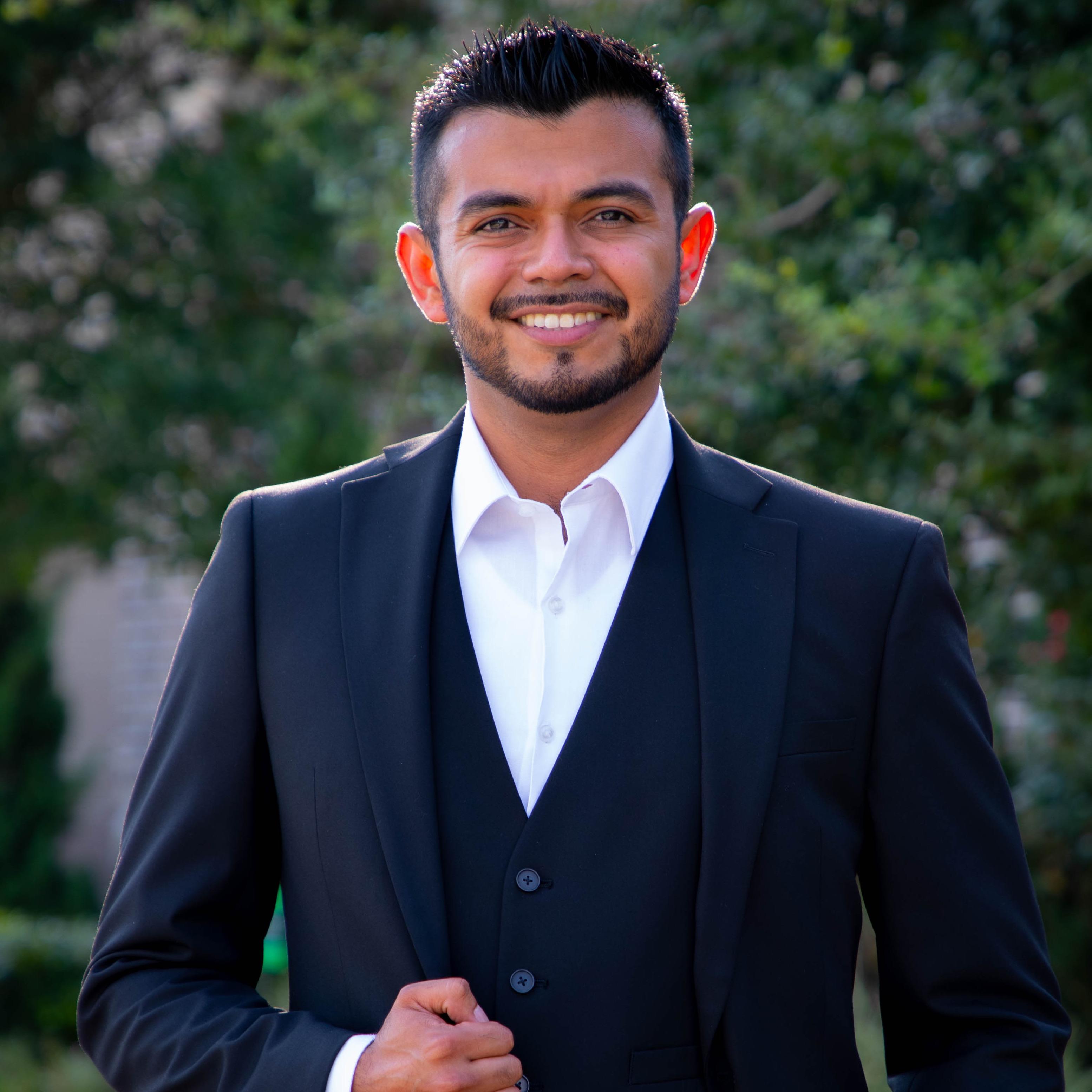 CLICK to visit Danny Canizalez's Realtor® Profile Page
