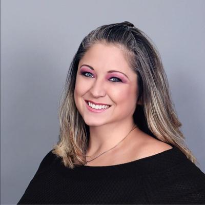 CLICK to visit Jennifer Waddock's Realtor® Profile Page