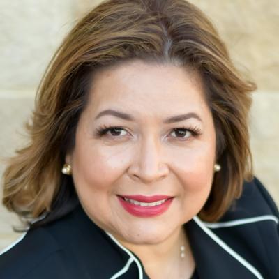 CLICK to visit Claudia Flores's Realtor® Profile Page