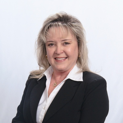CLICK to visit Darolyn Spears's Realtor® Profile Page