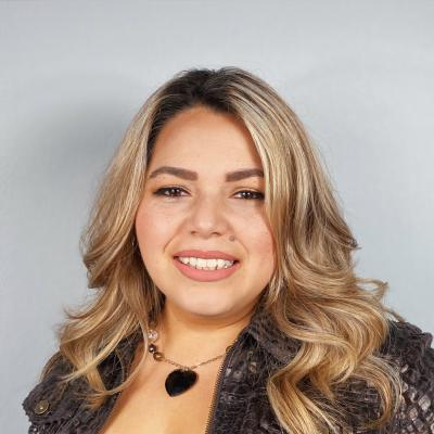 CLICK to visit Angelica Robles's Realtor® Profile Page
