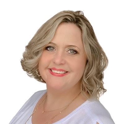 CLICK to visit Jennifer Pareya's Realtor® Profile Page