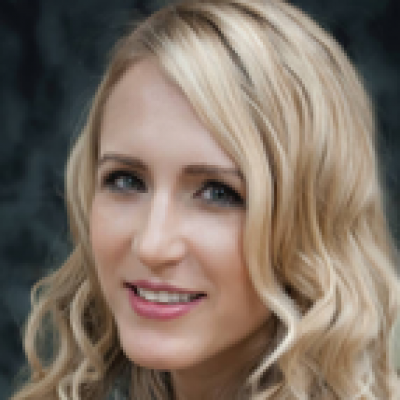 CLICK to visit Amanda Bishop's Realtor® Profile Page