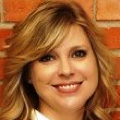 CLICK to visit Lisa Buckaloo's Realtor® Profile Page
