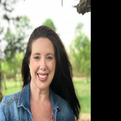 CLICK to visit Amanda Mendoza's Realtor® Profile Page