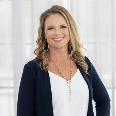 CLICK to visit Danielle Pelton's Realtor® Profile Page