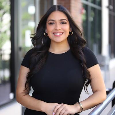 CLICK to visit Clarissa Gonzalez's Realtor® Profile Page