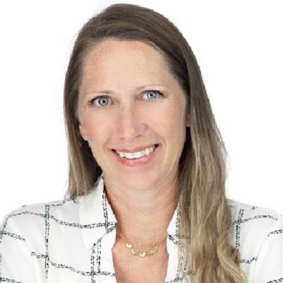 CLICK to visit Amanda Mayhew's Realtor® Profile Page