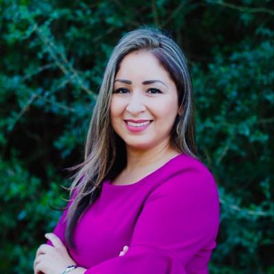 CLICK to visit Iliana Crespo's Realtor® Profile Page