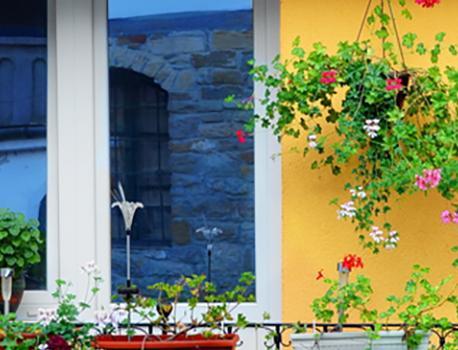 Urban Gardening Ideas For Small Spaces   HAR.com