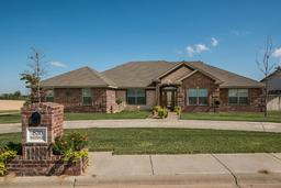830 Baltimore Dr, Hereford TX 79045