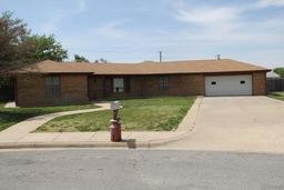 2102 Vallejo, Perryton TX 79070