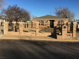 815 russell st s, amarillo, TX 79104