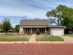 410 Ave G NW, Childress, TX 79201