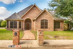 2501 sequoia drive, mission, TX 78572
