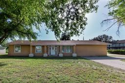 1614 s bridge avenue, weslaco, TX 78596