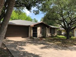 1718 mildred, kingsville, TX 78363