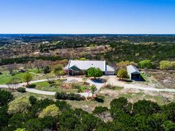 586 whiskey canyon, kerrville, TX 78028