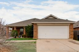 5008 mountain valley, fort worth, TX 76123