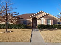 5032 itasca street, lubbock, TX 79416