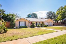 1606 e hester street, brownfield, TX 79316