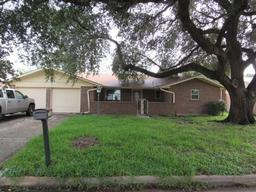 2302 16th street, brownwood, TX 76801