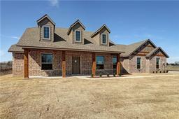 925 lester burt road, farmersville, TX 75442