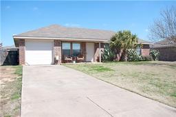1307 Lynnwood Drive, Cleburne TX 76033