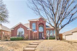 1192 Valley Oaks Drive, Lewisville, TX 75067