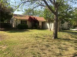 5702 crestwood circle e, north richland hills, TX 76180