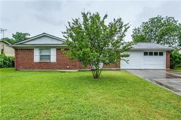 4725 everest drive, fort worth, TX 76132