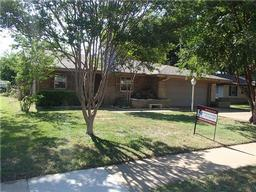 1215 belclaire lane, irving, TX 75060