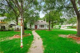 1800 maplewood avenue, corsicana, TX 75110