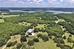 156 county road 215, collinsville, TX 76233