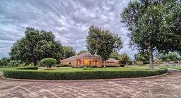 1570 34th street ne, paris, TX 75462