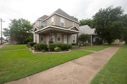 500 w woodard, denison, TX 75020