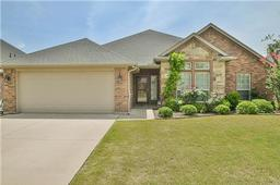 4423 logan circle, granbury, TX 76049