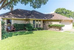 10907 Jeanell Drive, Kemp TX 75143