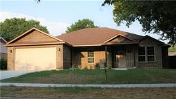 618 kiowa circle, lancaster, TX 75146