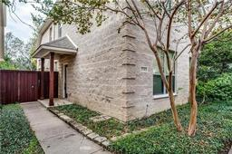 2530 wedglea drive, dallas, TX 75211