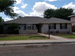 1409 Cedar Lane, Andrews, TX 79714