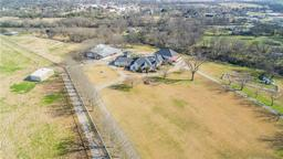 320 dale evans dr, italy, TX 76651