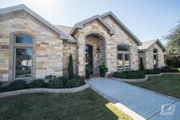 2509 colonial oaks ct, midland, TX 79705