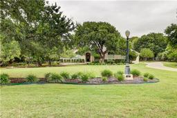 300 Diamond Trl, Georgetown TX 78633